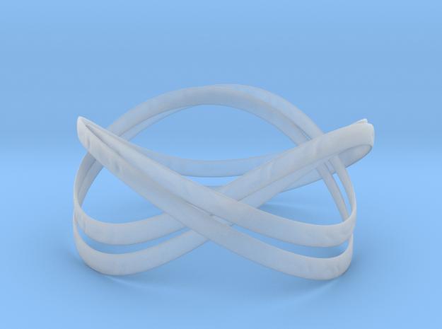 Double Trefoil Bracelet in Smooth Fine Detail Plastic