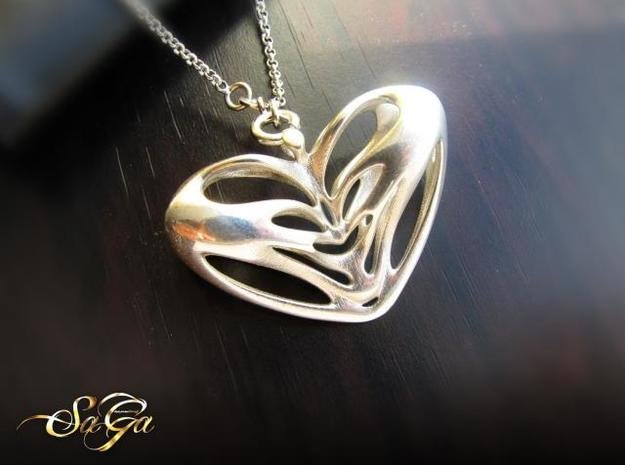 Papillon Pendant in Polished Silver