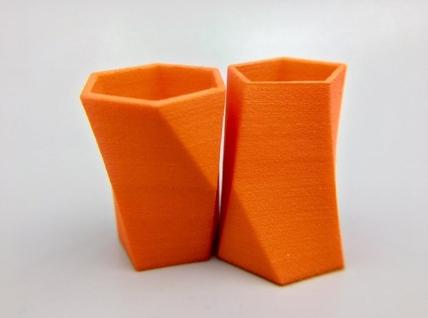 Pair of Packable Scutoids in Orange Processed Versatile Plastic: Small