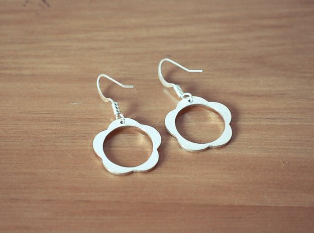 Flower Earrings in Polished Silver
