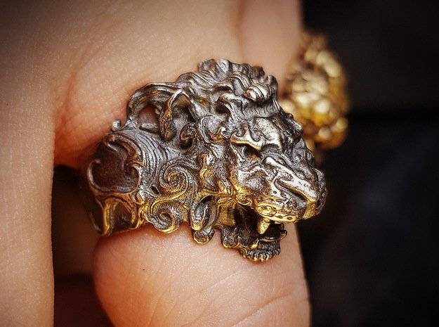 Roaring Lion King of Jungle Ring  in Antique Silver: 9 / 59