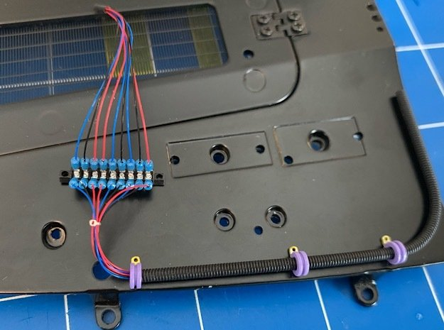 1:8 DeLorean pontoon clips / terminal / split loom in Smoothest Fine Detail Plastic