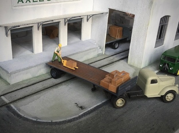 1:87 Single axle semi trailer in Smooth Fine Detail Plastic