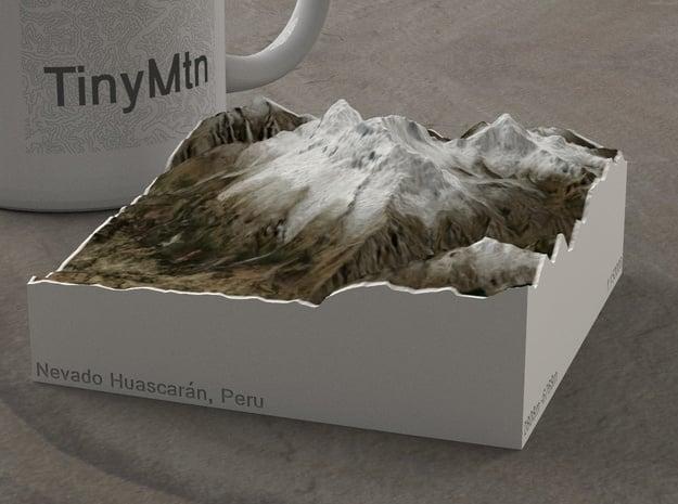 Nevado Huascarán, Peru, 1:150000 Explorer in Natural Full Color Sandstone