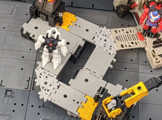 TF Titans Return to Earthrise Ramp Angled Adapter  in White Natural Versatile Plastic