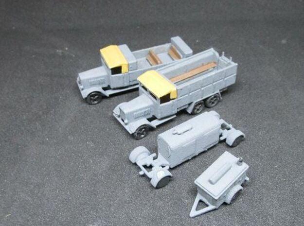 1/144 Henschel Pioniere Set II in White Natural Versatile Plastic