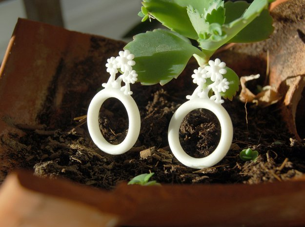 Daisy Ring D16 in White Processed Versatile Plastic