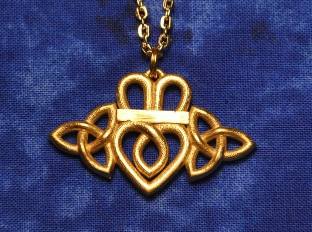 Claddagh Triquetra Pendant in Natural Brass