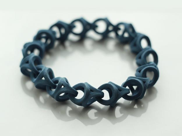 Crossover Thick - Bracelet size M in Blue Processed Versatile Plastic