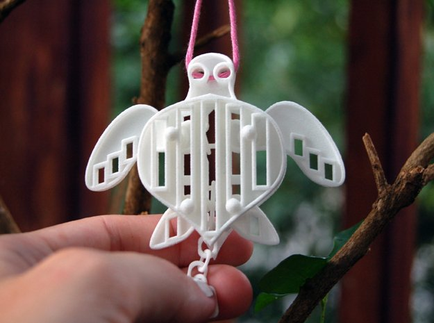 Sea Turtle with Pull-Chain // Interlocking Pieces in White Natural Versatile Plastic