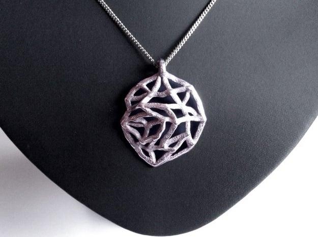 Metal Leaf Pendant in Polished Silver