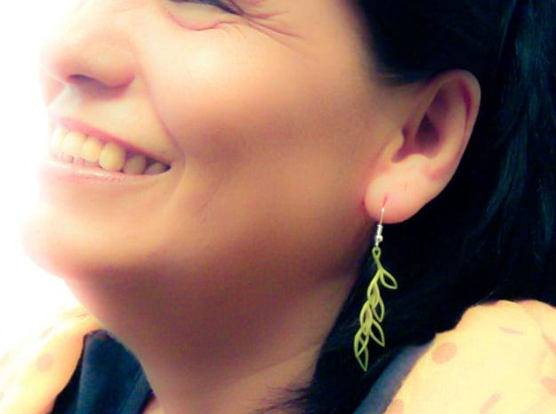 Leaf Drop Earring in White Natural Versatile Plastic