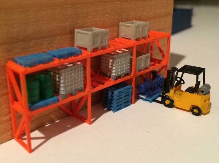 N Scale Warehouse Rack 3d printed Painted warehouse rack with various of my logistics related items. Forklift by Wuttermelon