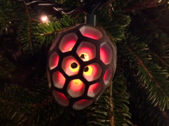 Mosaic Egg #2 3d printed with xmas light inside