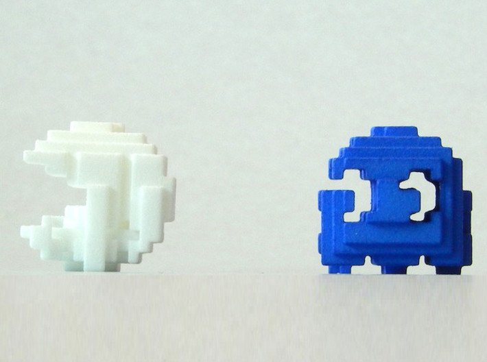 Pacman Cubed, Small 3d printed Pacman being chased