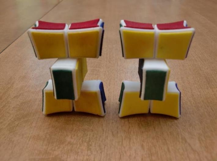 Inverted 1x2x3 V2 3d printed Turning (V2 on right)