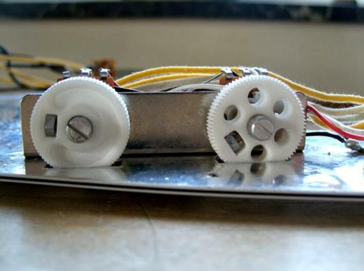 MIJ JM/Jag Roller knob - Groove pattern 3d printed The roller knob mounted in a JM. The knob on the right is an earlier design.