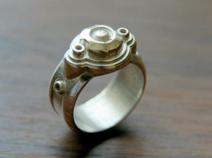 Space Ship Ring 3d printed This material is Polished Silver