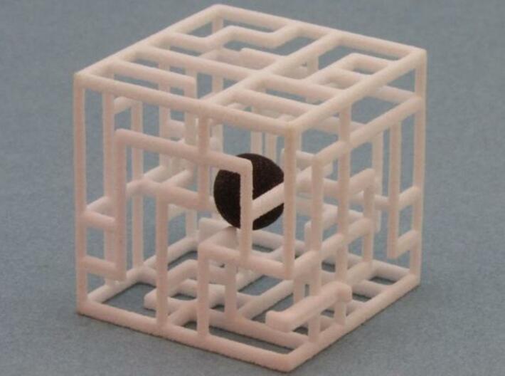 Zig Zag Zog 555 3d printed Ball inside maze