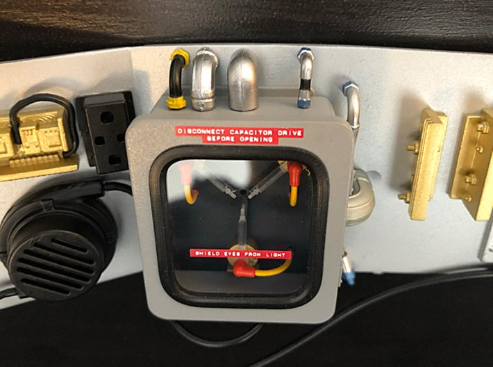 1:8 BTTF DeLorean Flux Capacitor set 1 of 2 3d printed Complete flux capacitor (set 1 and 2) on the bulkhead
