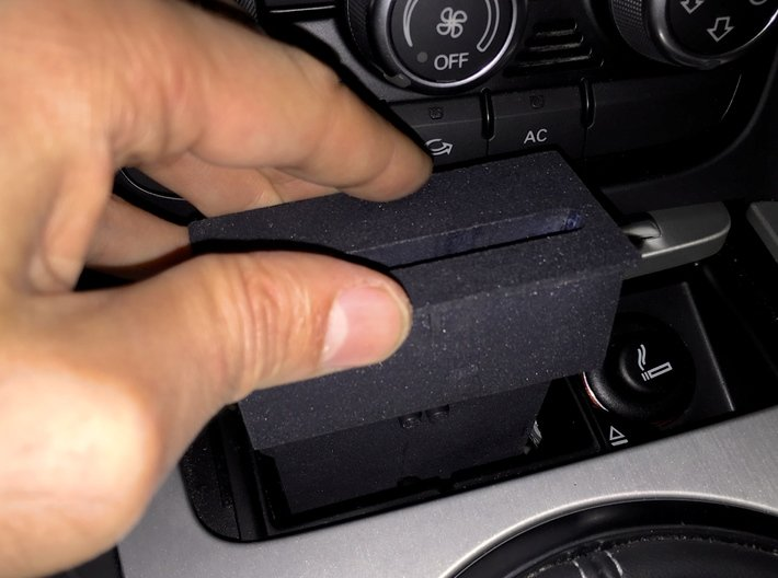 Audi TT dock for iPhone 6/6s/7/8/SE2 3d printed Simple installation or removal: slide the dock in or out of the ashtray compartment