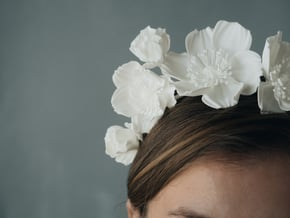 Icelandic Poppy Crown in White Natural Versatile Plastic