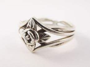 Romantic Rose ring with leaves in Polished Silver: 10 / 61.5