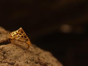Masquerade Ring in Polished Brass: 6 / 51.5