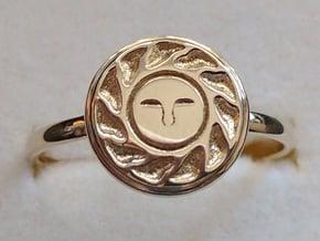 Sun Seal in Polished Brass: 8.5 / 58