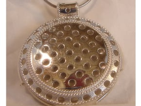 Round Vintage Pendant in Polished Silver