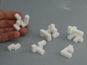 Titan – Interlocking Cube Puzzle w/ Pegs and Slots in White Natural Versatile Plastic