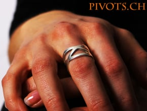 Tre Ring in Polished Silver