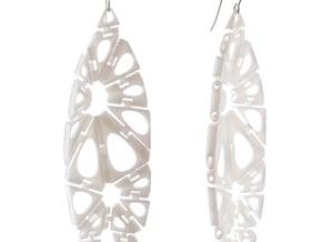 Kinematics 18e earrings in White Natural Versatile Plastic
