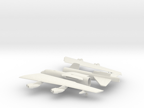 Boeing B-52 Stratofortress in White Natural Versatile Plastic: 1:160 - N
