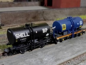 2x N Gauge 14T/20T Anchor Mounted Tanks in Smoothest Fine Detail Plastic: Large