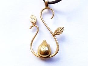 Spring pendant in Natural Brass