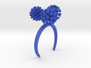 Bracelet with three large flowers of the Garlic in Blue Processed Versatile Plastic: Medium