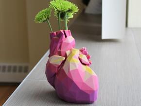 Geometric Heart Vase in Natural Full Color Sandstone