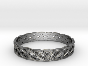 Hieno Delicate Celtic Knot Size 10 in Fine Detail Polished Silver