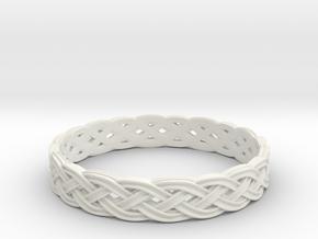 Hieno Delicate Celtic Knot Size 8 in White Natural Versatile Plastic