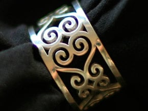 Scroll Heart Ring Size 9 in Fine Detail Polished Silver