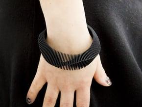 Lama Bracelet - Medium Size in Black Natural Versatile Plastic