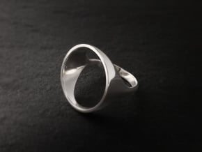 Circle Ring - Sz5 in Fine Detail Polished Silver