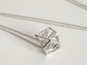 Lien pendant in Fine Detail Polished Silver