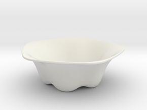 Flow Vase in White Natural Versatile Plastic