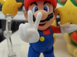 Victory (Bent) Hands for S.H. Figuarts Mario / Lui