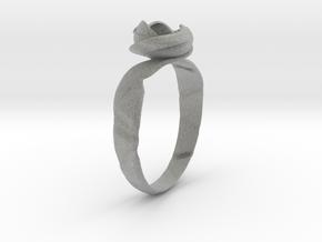 Flower ring in Metallic Plastic