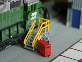 N Scale Snap-on Toolbox 2pc in Frosted Ultra Detail
