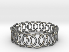Ring Bracelet 68 in Fine Detail Polished Silver