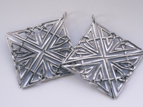 Celtic Knot Earring in Polished Silver